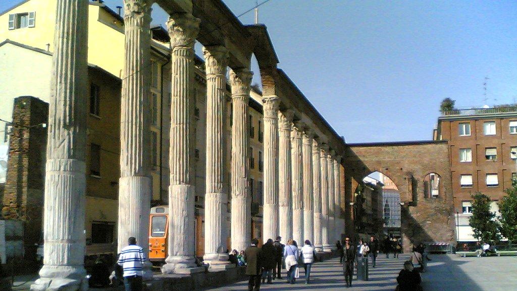 milano italia ciaomilano colonne di san lorenzo