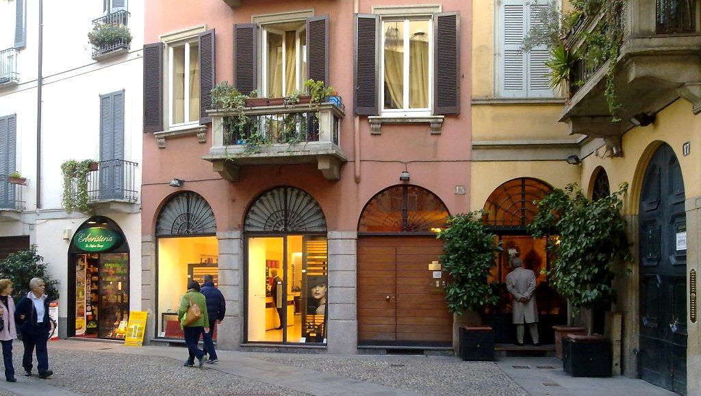 Milano milan italy ciaomilano brera shops for Milano shop